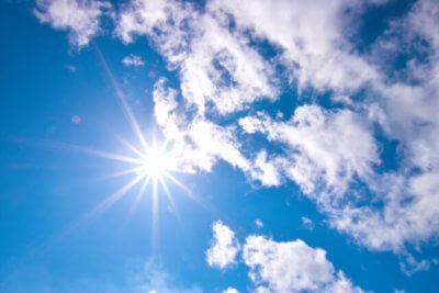暑い夏の空